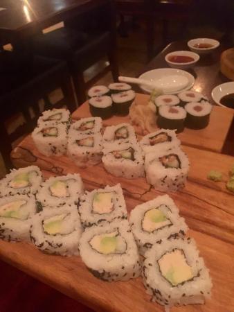 Yamamori Sushi: Good Sushi mix!