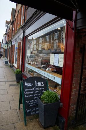 Annie Jones Restaurant Reviews