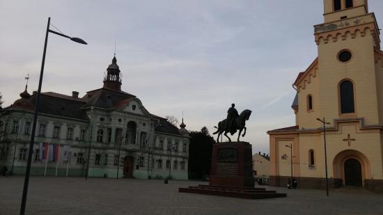 King Peter in Zrenjanin - ズレ...