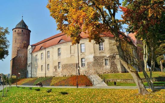 Swidwin, Poland: Zamek od strony ulicy Niedziałkowskiego