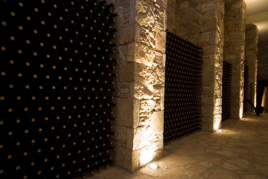 Spata, Griekenland: Bottle aging