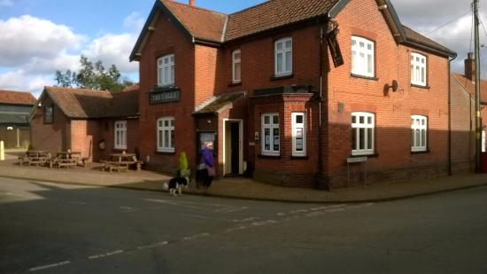 Great Hockham, UK: Outside view very lovely