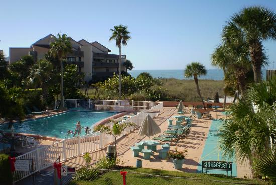 John's Pass Beach Motel: We are located right on the Treasure Island Beach