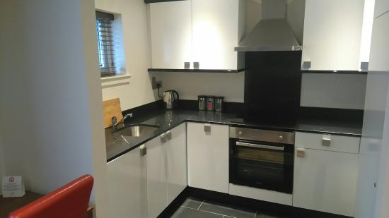 Holyrood apartHOTEL: DSC_0405_large.jpg