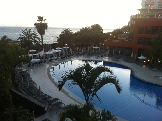 Enotel Lido Madeira: Enotel pool early evening