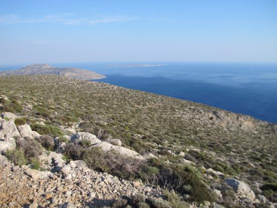 Lasithi Prefecture, Yunanistan: Beginning of the steep and rocky descent to Kapsa