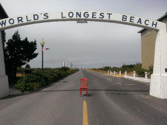 Long Beach, WA: Boreas hosted the Red Chair August, 2015- World's Longest Beach!