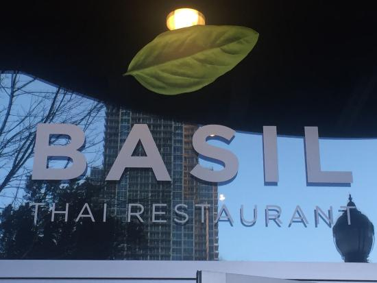 Basil Thai Restaurant: photo0.jpg