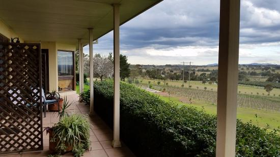 Sovereign Hill Country Lodge: Valley view