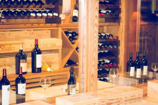 Gaylord, Мичиган: Brand new Wine Cellar