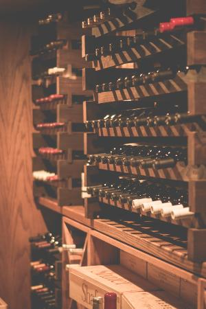 Gaylord, Мичиган: We feature a vast selection of world-class wines.