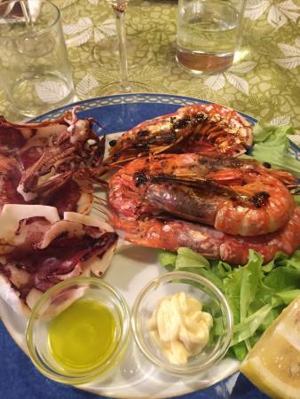 Osteria Caffe del Borgo: Buon cibo e proprietari super accoglienti! Una bellissima serata