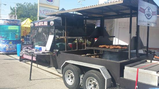 Портервилль, Калифорния: We'll bring the BBQ to you - we cater!