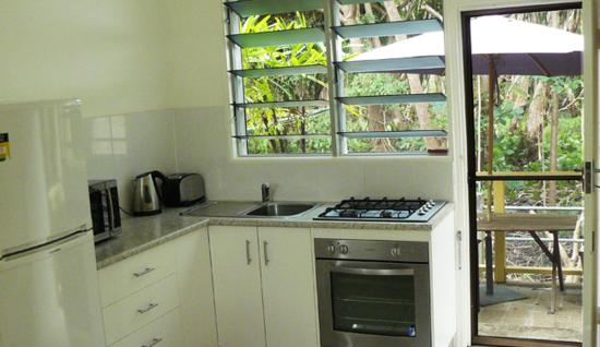 Yorkeys Knob, Australia: Fully self-contained kitchens in each villa!