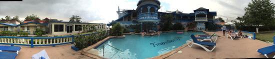 Travellers Beach Resort: At Travellers