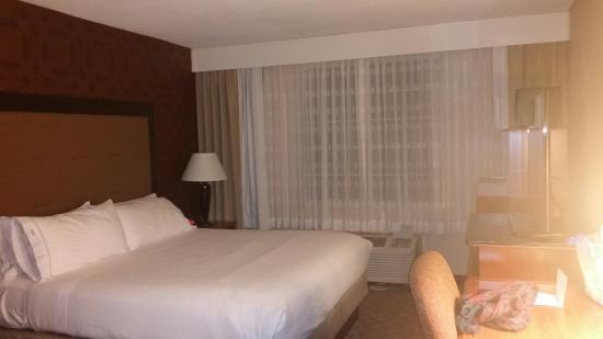 Holiday Inn Express Poughkeepsie: 20160124_185928_large.jpg