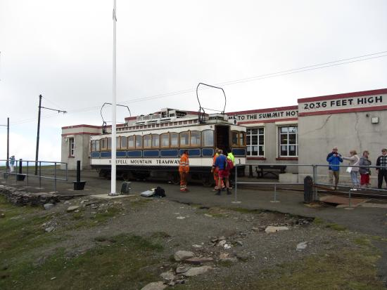 Laxey, UK: Snaefell Mountain Railway at the summit