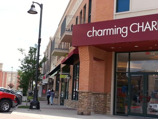 Arlington, TX: My favorite store at the Highlands - accessory wonderland