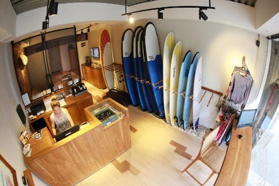 Wave House - Surf School