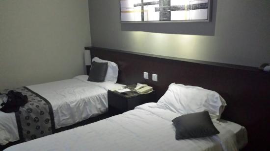 Hotel Royal Singapore: 20160112_172656_large.jpg