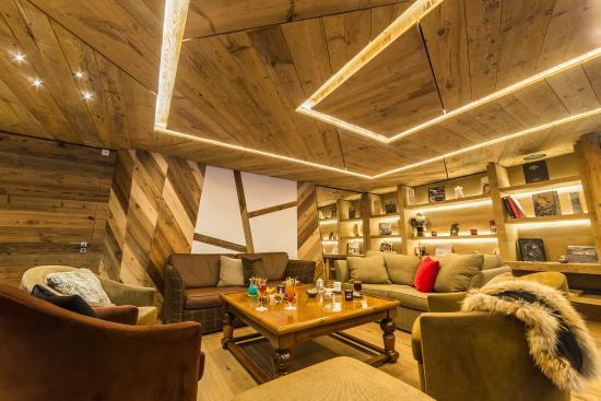 Hotel les Barmes de l'Ours : Salon salon du bar