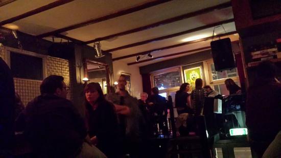 Cafe De Koe: Great local's pub.