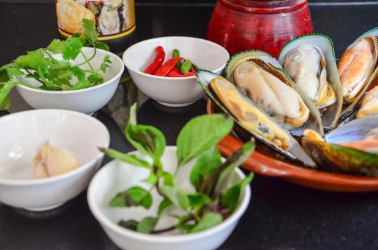 Bophut, Tajlandia: Mussels - InFusion Cooking Classes Samui