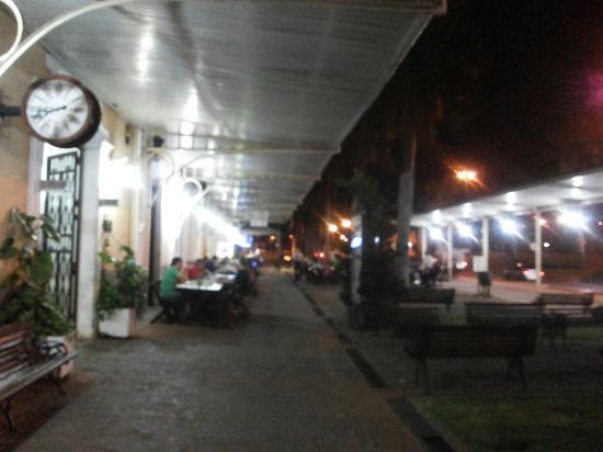 Jaguariúna, SP: Visao lateral e torresmo.