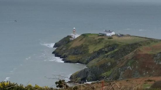 Howth, Irlanda: Thank you for joining me on the cliff path walk all my friends through out the world let's go wa
