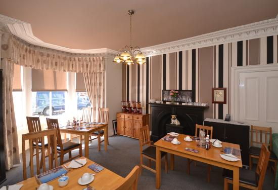 Queens Guest House: Dining Room