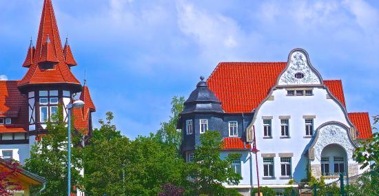 Muhlhausen, Germany: Schöne Gründerzeit und Jugendstilvillen finden sich in der Altstadt von Mühlhausen