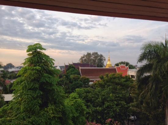 Chiang Mai Gate Hotel: Die Aussicht aus unserem Zimmer in der 5. Etage