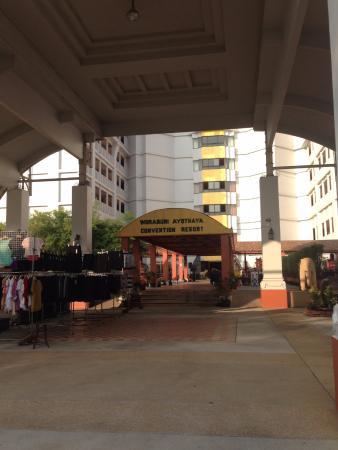 Woraburi Ayothaya Convention Resort Photo