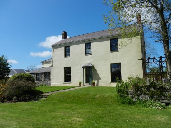 Cilwen Country House Bed & Breakfast