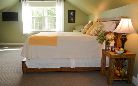 Poland, ME: The Bigelows Room features a new queen bed.