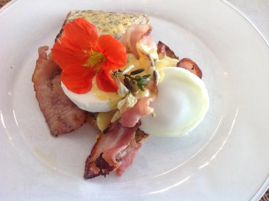 L'Abri: Beautifully presented breakfast