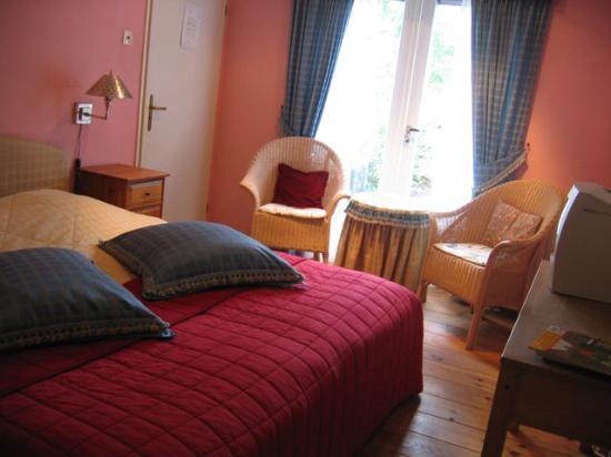 Hotellerie Carnegie Cottage: Kamer 2 met privé terrasje