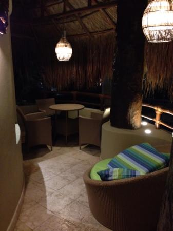 Maya Villa Condo Hotel & Beach Club: justoutside of room in attached personal lounge area