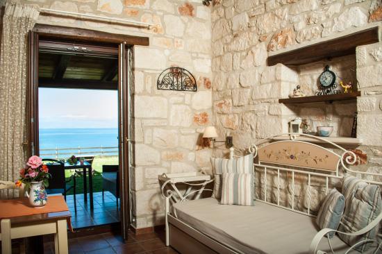 Kavos Psarou Villas: sea view