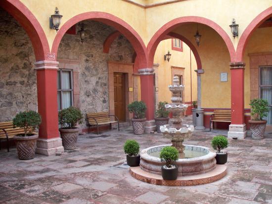 Hotel Quinta Santiago Image