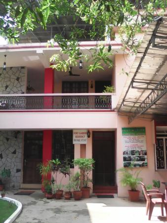Fort Garden Residency : view of homestay from courtyard