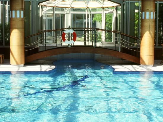 City Hotel Dresden Radebeul: Pool