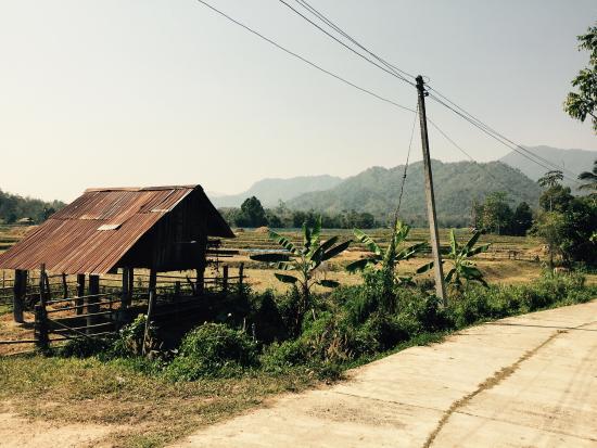 Phrae, Thailandia: Chillen in het zwembad of de tour naar het dorp doen