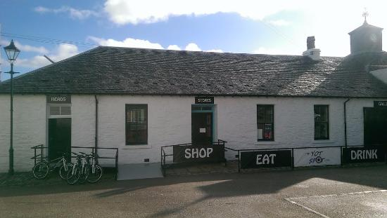 Ardrishaig, UK: Outside The Yot Spot Ltd