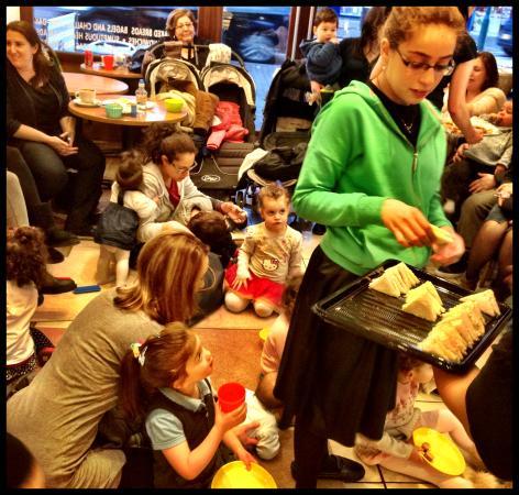 Borehamwood, UK: Snacks at Orli Storytime