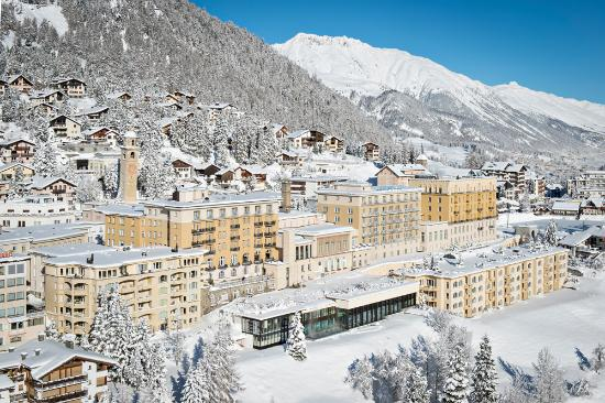 Kulm Hotel St. Moritz: Exterior Winter