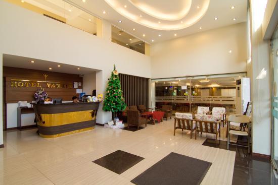 Hotel Yankin: Hotel Lobby