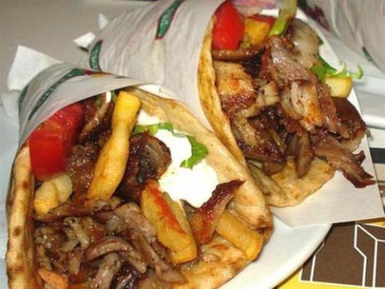 Greek Taverna Manolo: Pita Gyros