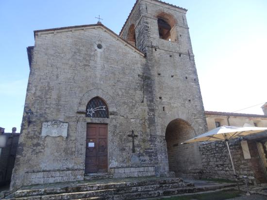 Monsummano Terme, Italien: San Niccolò church, one of the few buildings remaining within the walls