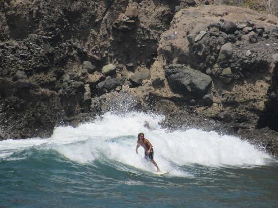 Tamanique, El Salvador: Surf en Atami